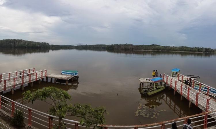 Danau Bandar Kayangan
