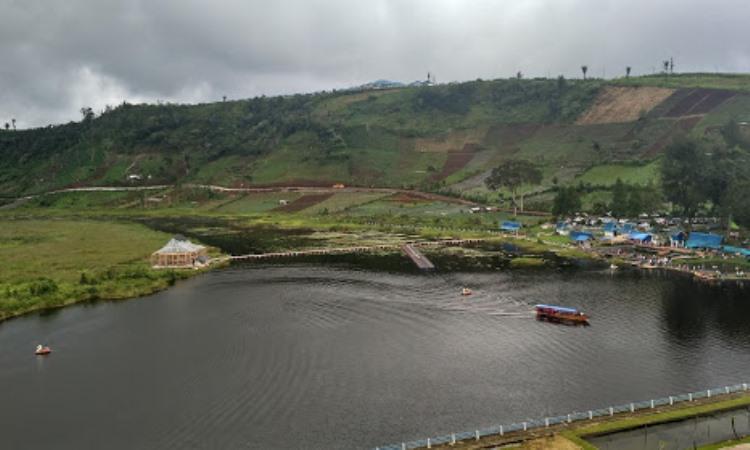 Danau Mas Harun Bastari