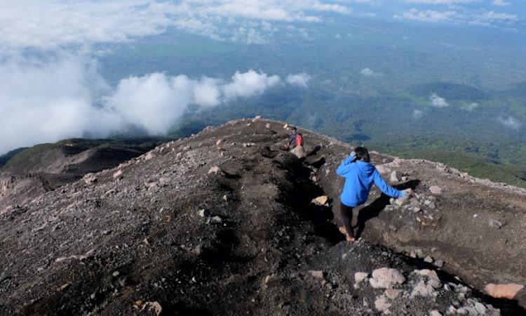 Hiking di Gunung Kerinci