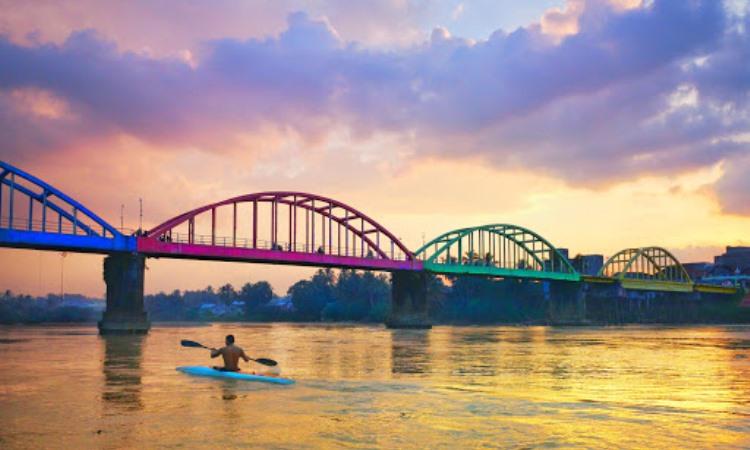 Jembatan Beatrix Sarolangun