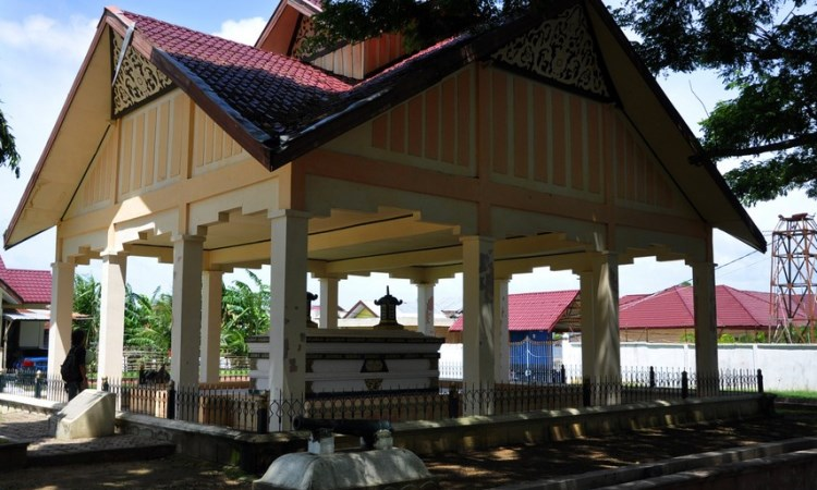 Makam Raja Aceh