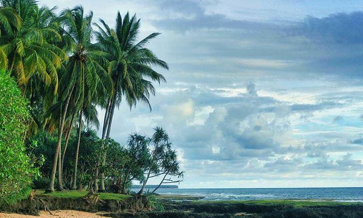 Pantai Aluran Pandan