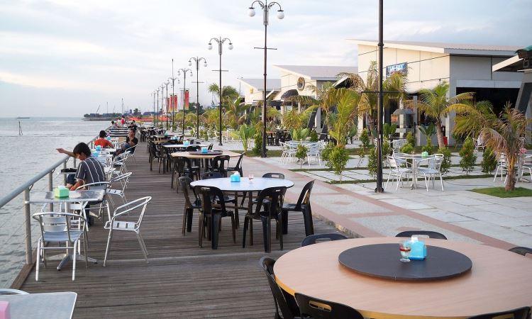 Pantai Café