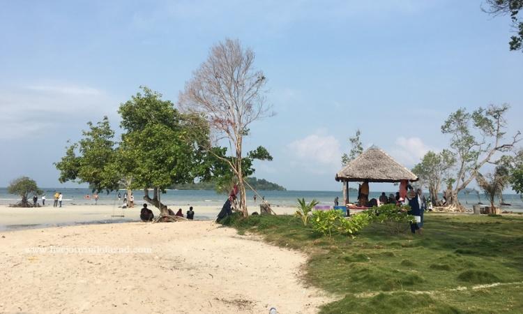 Pantai Elyora