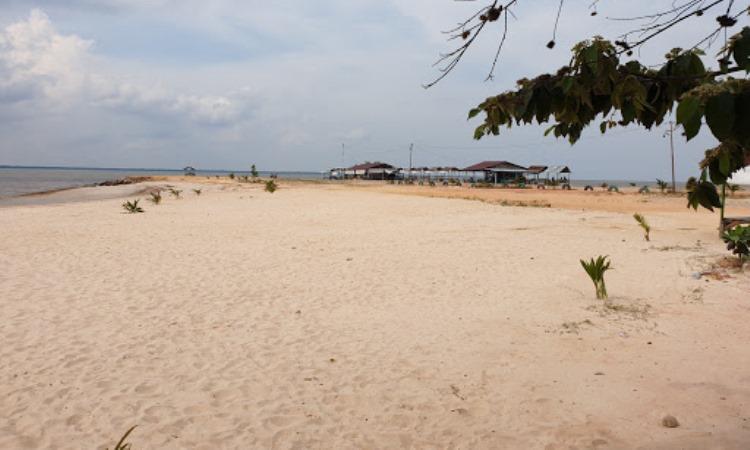 Pantai Koneng