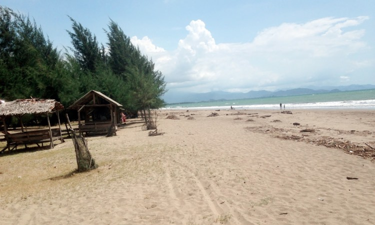 Pantai Pasir Jambak