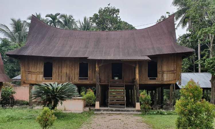 Rumah Lontiok
