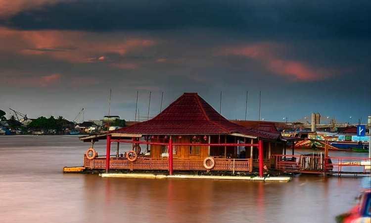 Rumah Rakit Sungai Musi