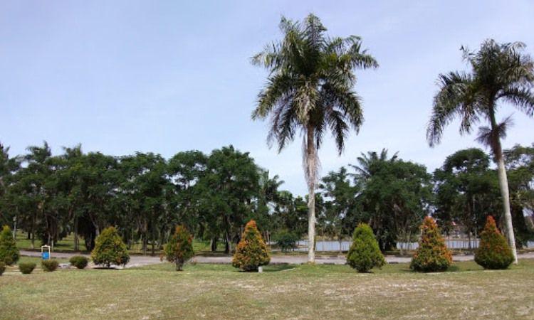 Taman Telaga Tirta Patra