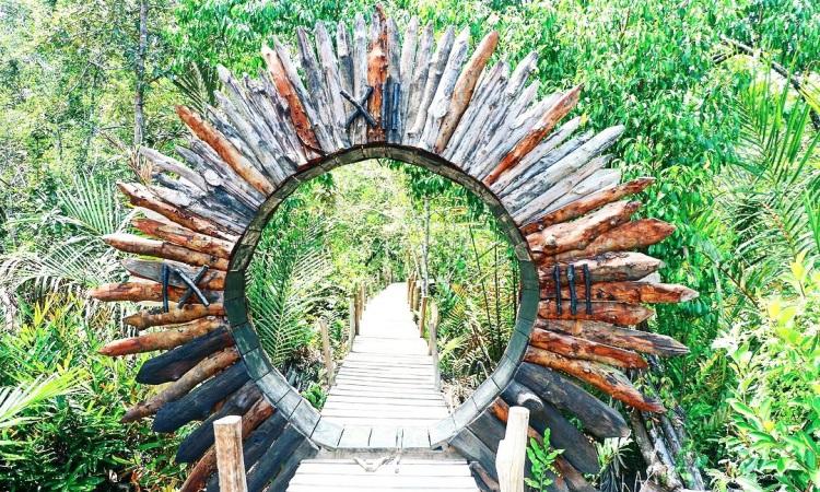 Wisata Mangrove Munjang Kurau Barat