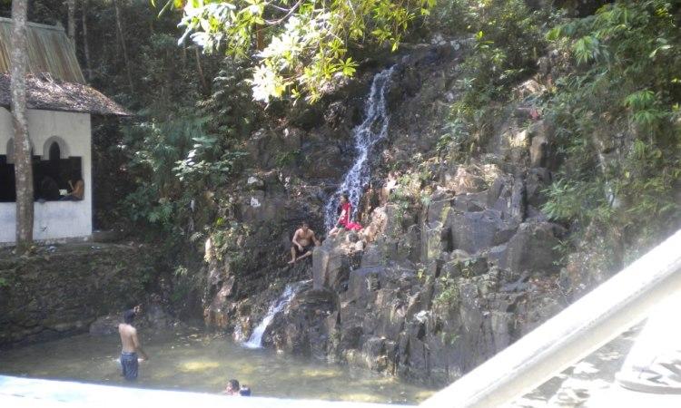 Air Terjun Pongkar