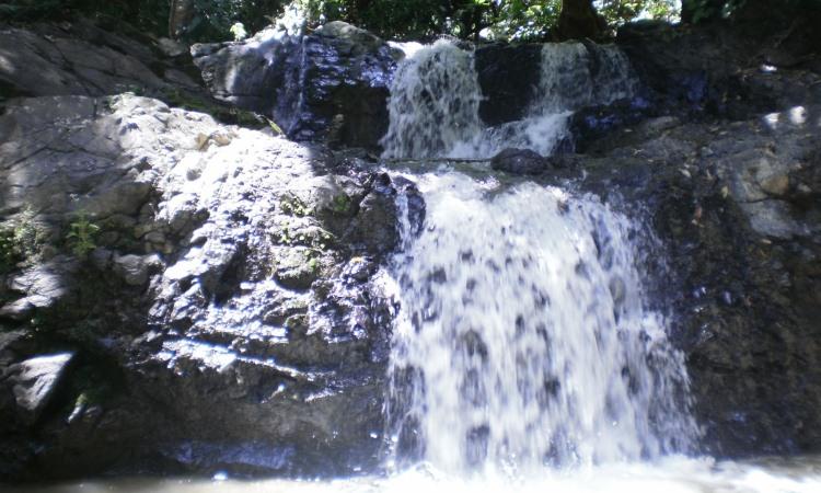 Air Terjun Sarasah Batimpo