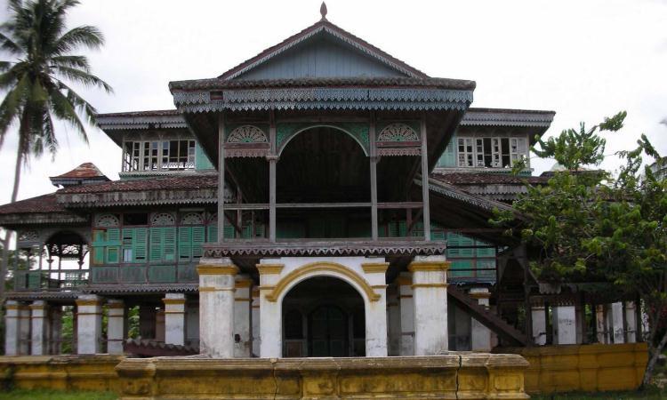 Istana Niat Lima Laras