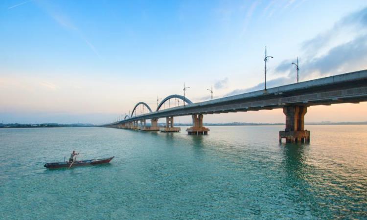 Jembatan Dompak Tanjung Pinang
