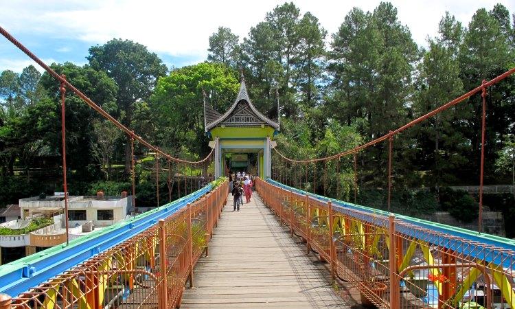 Jembatan Limpapeh