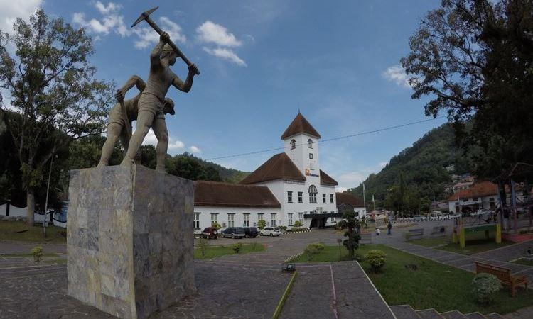 Kota Tua & Hotel Ombilin