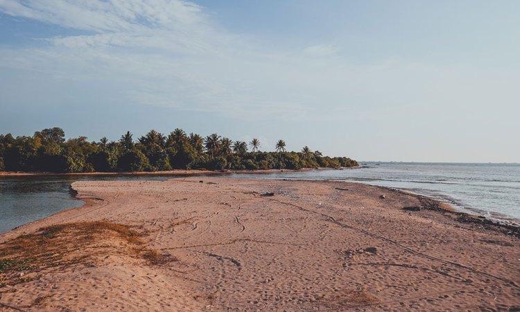 Pantai Bagoes