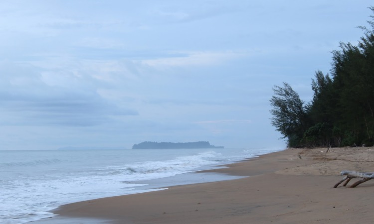 Pantai Batu Rusa