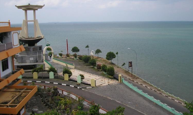 Tepi Laut Tanjung Pinang