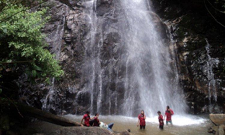 Air Terjun Batang Taye