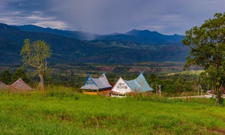 Bukit Tor Simago-Mago