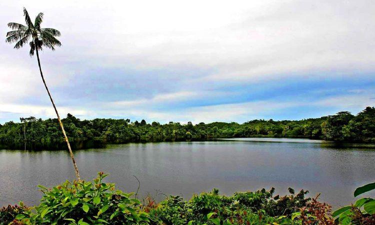 Danau Megoto