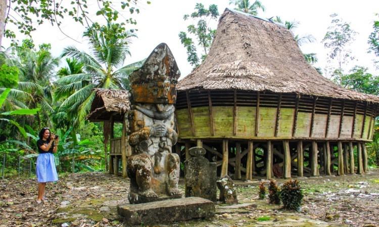 Desa Lolozirugi