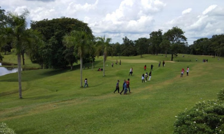 Lapangan Golf Pendopo