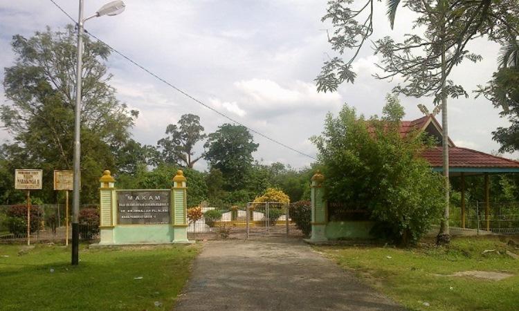 Makam Raja Indragiri