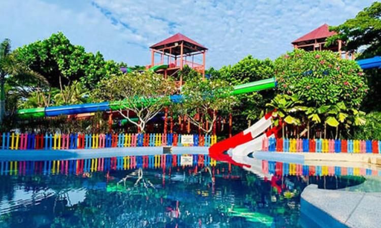Pantai Cermin Theme Park