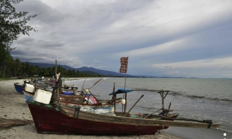 Pantai Kade Tigo Barus