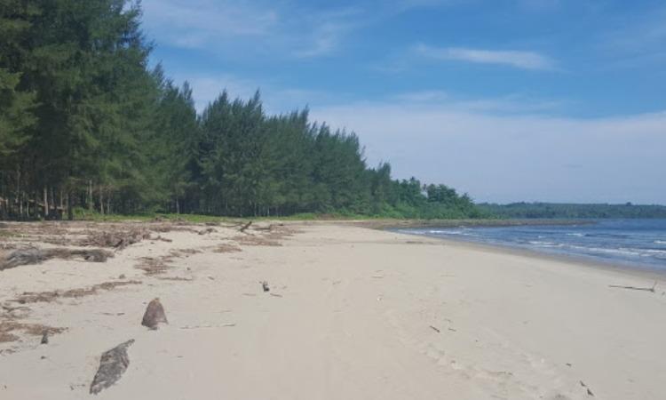 Pantai Nela
