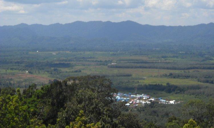 Puncak Gunung Medan