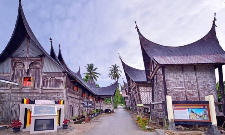 Wisata Rumah Gadang Minangkabau