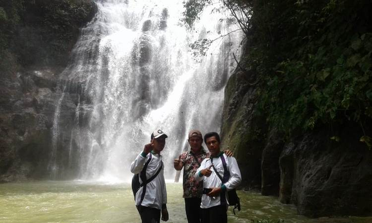 Air Terjun Air Melancar