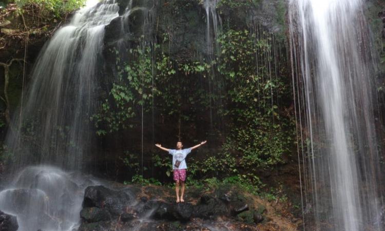 Air Terjun Batu Bekinyau
