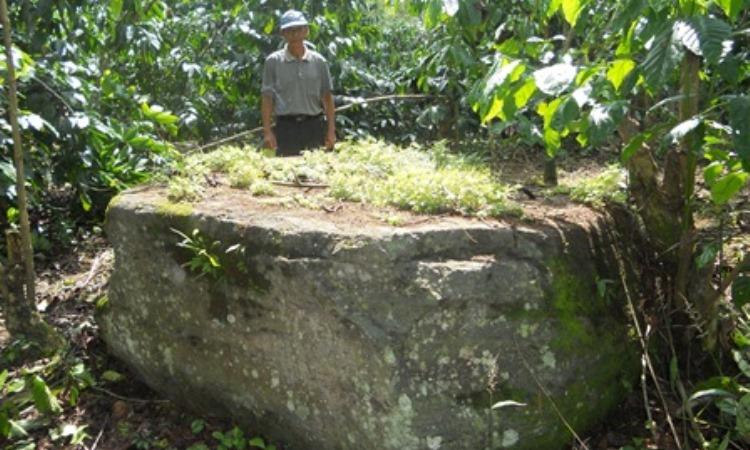 Batu Dewa