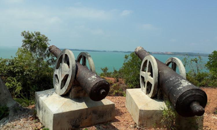 Bukit Kursi Pulau Penyengat