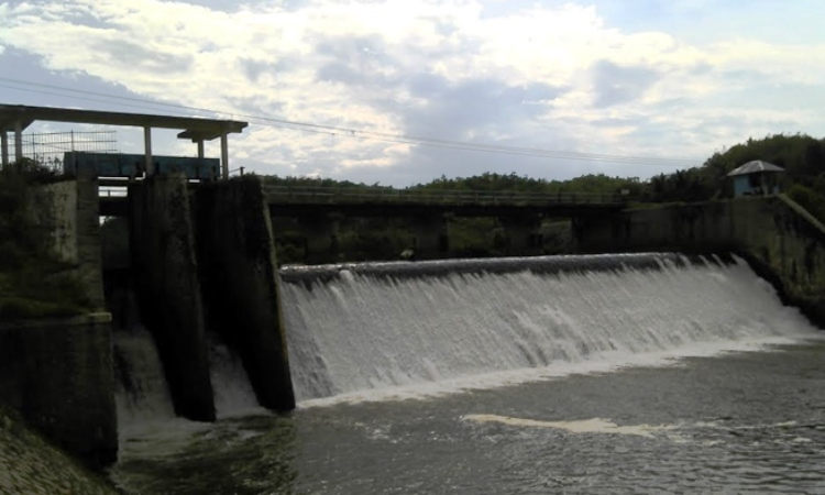 Dam Tapus Tanah Tumbuh