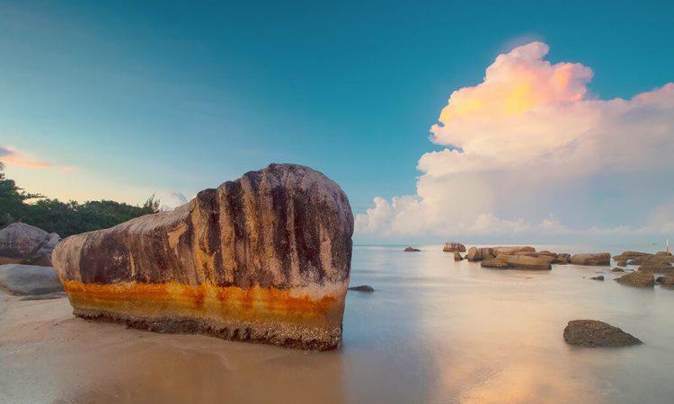 Pantai Batu Perahu