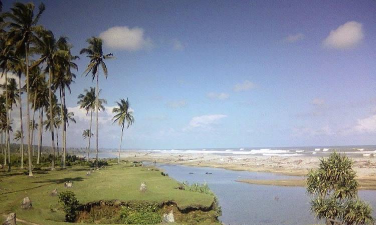 Pantai Bengkenang
