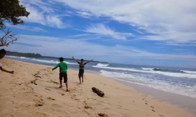 Pantai Bunga Karang