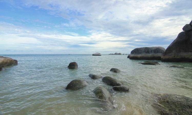 Pantai Penyabong