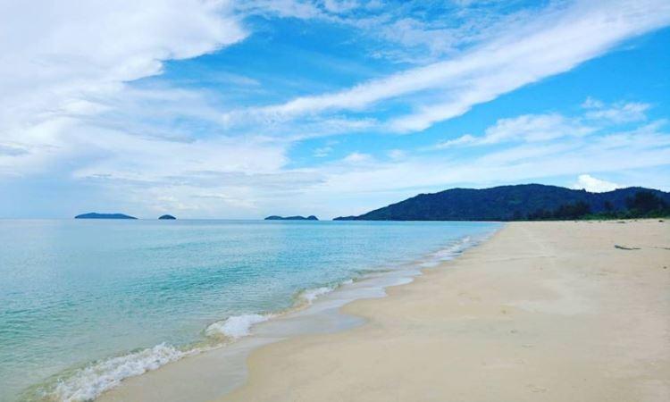 Pantai Sisi