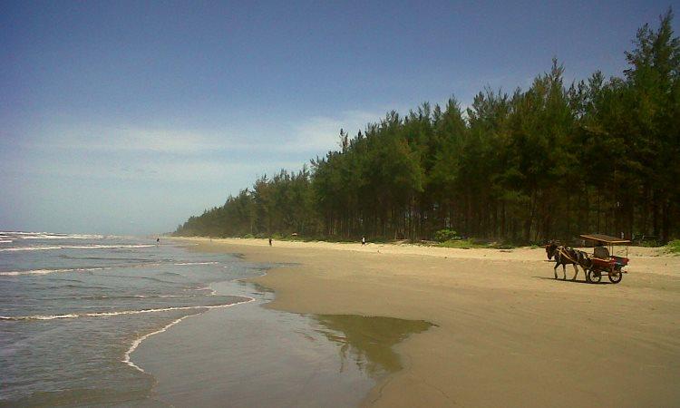 Pantai Tumbuk Tebing