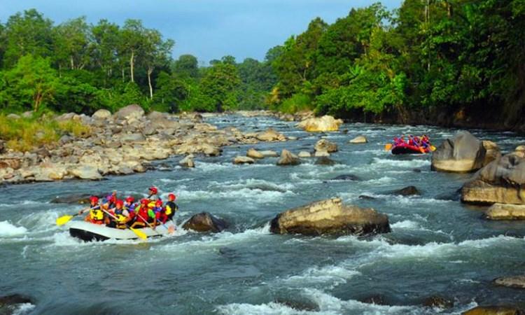 Arung Jeram Sungai Teunom