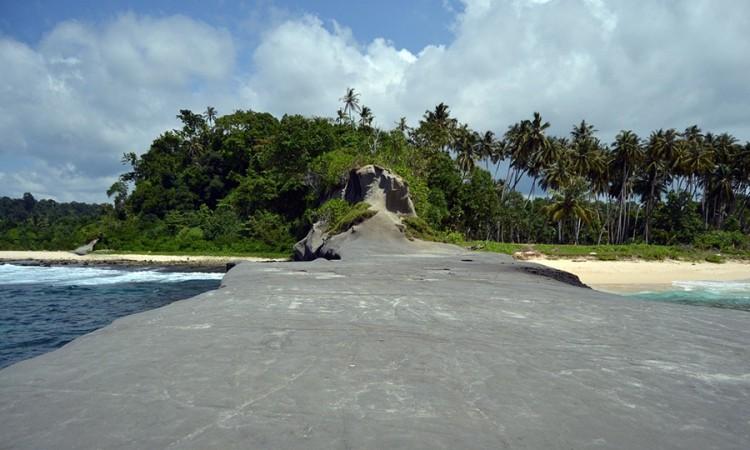 Batu Siambong-Ambong Alafan