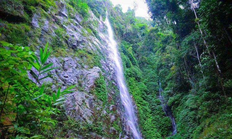 Krueng Rhoep Waterfall