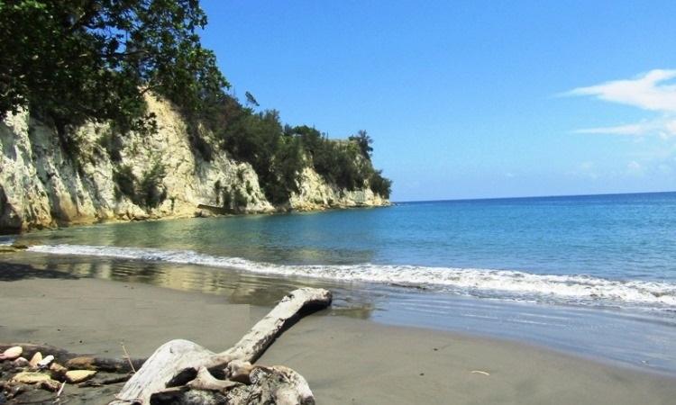Pantai Batee Puteeh