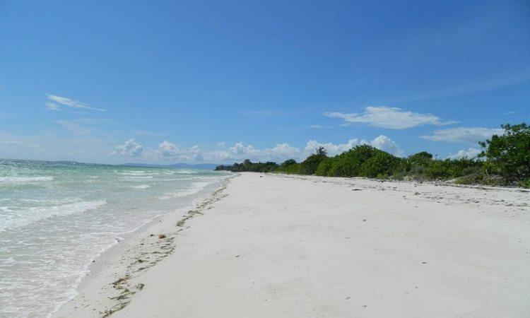 Pantai Gudang Garam